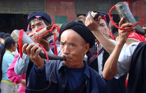 滇南散记十:红河甲寅乡长街宴 - 苏泽立 - 苏泽立的博客