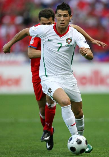 尤西比奥:C罗会成为世界最佳葡萄牙不是欧洲杯热门