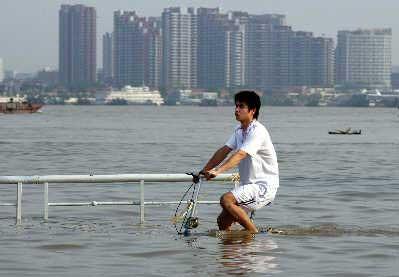 中国气象局称我国极端气候将越来越频繁(图) - annareid - NANA