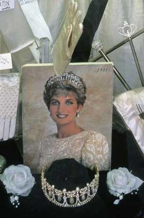 世界各国国王的王冠 - ☆容♀蓉☆ - ☆容♀蓉☆的博客