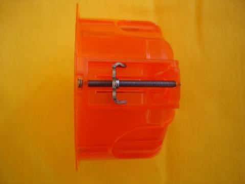 法国民居别墅的建造(三十四) 如何在内保温层上固定开关或电源插孔的底座 - pfspfs666.popo - 反三的博客