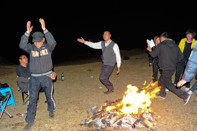 去西藏露营:遥望布达拉宫的璀璨灯火 - 阿文 - tibet52的博客
