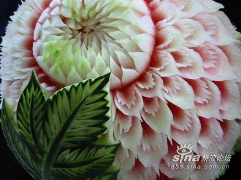 西瓜雕成的艺术品 - 明眸 - 博客素材
