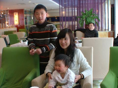 年初二外婆族团聚 - 宸欢 - 张宸欢的网家家