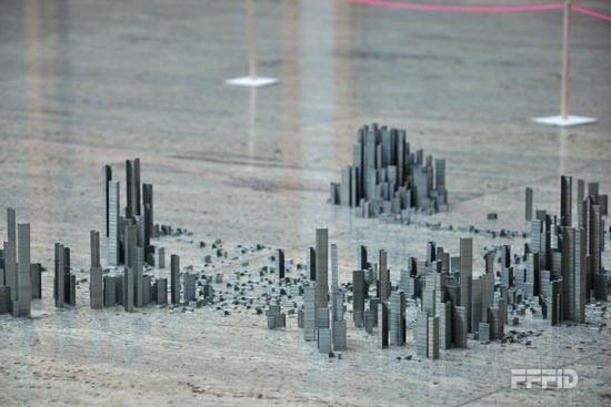Ephemicropolis-订书针组成的城市 - 何泛泛 - 何泛泛|IT独唱团