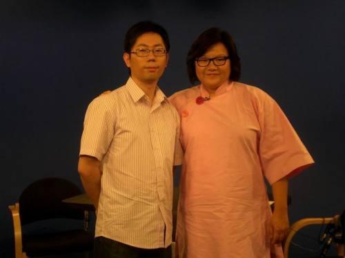 洪晃的答案:女人绝对不会穿着高跟鞋上吊 - 蔡骏 - 蔡骏的博客