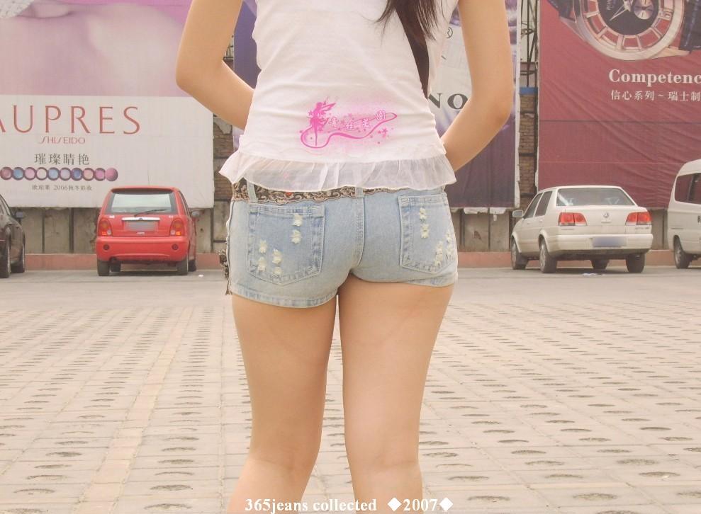 【引用】夏日清凉系列 薄衫紧身牛仔短裤美女