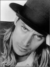 摇滚歌手Kid Rock再次伤人 上周亚特兰大被捕 - 老范 - 老范的博客