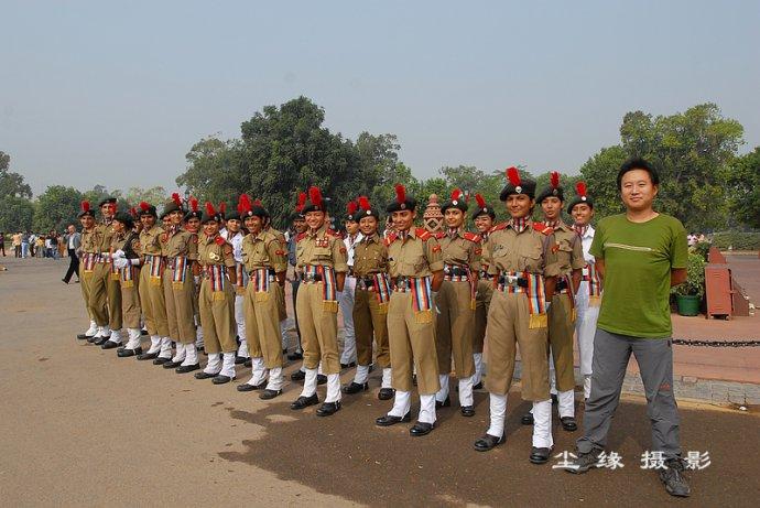 印度门前操练的女兵们 - Y哥。尘缘 - 心的漂泊