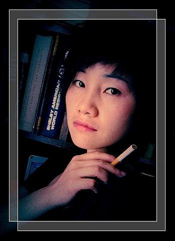借我一枝烟图片