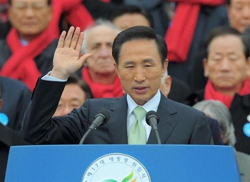 韩国总统李明博:冷落中国?