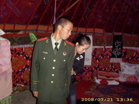 军人相册----帅气的武警士官和他热恋的女友  - 披着军装的野狼 - 披着军装的野狼