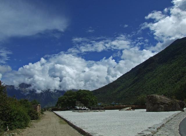雅鲁藏布大峡谷与南珈巴瓦峰--雪域西藏行之六 - 侠义客 - 伊大成 的博客