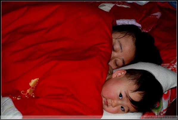 (11.17)家有千金476天:被窝里的轩轩 - AF摄影(蹈海踏浪) - 青岛AF摄影工作室