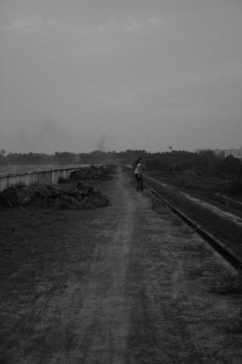 【摄影】黑白印象·On the way - 彷徨中晕眩... - 永-不-褪-色-的-只-有-黑-色