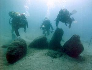 水下怪石圈
