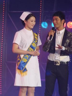 黄晓明侧目史上最美女护士 - 李光斗 - 李光斗的博客