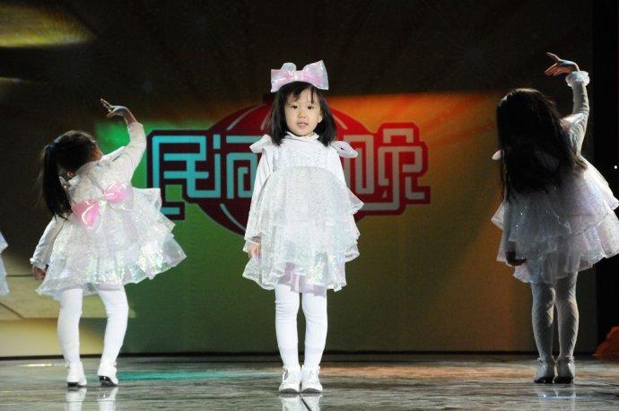 荧火虫--民间春晚节目回顾(十三) - 杨孝文 - 杨孝文的博客