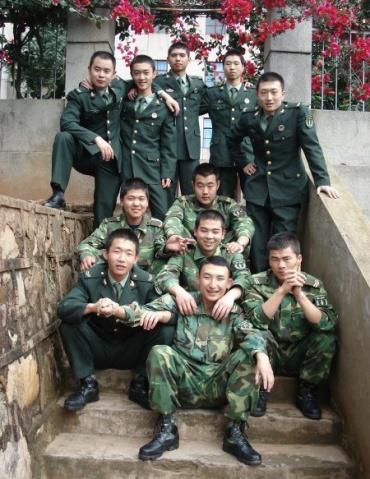陆军风采---小兵 - 披着军装的野狼 - 披着军装的野狼