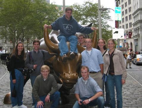 外国人也骑牛!华尔街的铜牛中国人骑不得吗? - 老刘说天下事 - 未来水世界