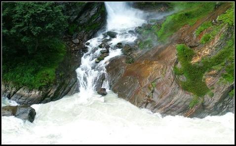 西藏·藏南瀑布 - 大状 - 梁赤的色影博客