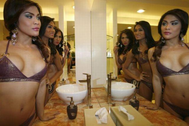 菲律宾人妖也选美,后台秀泳装妩媚身姿(组图) - 刻薄嘴 - 刻薄嘴的网易博客:看世界