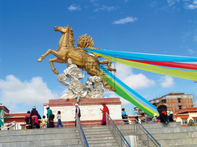 2010年11月刊:《格萨尔》文化在草原上争奇斗艳 - 西藏人文地理 - 《西藏人文地理》