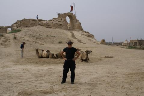 【原创】拥 抱 大 漠 - 大隐吕山 - 大隐于朝 中隐于市 小隐于野