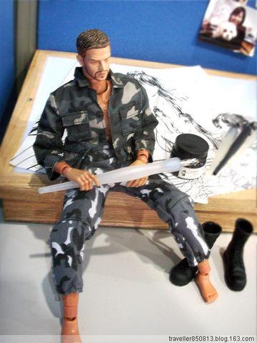 为了画人体动作,专门弄来了个兵人模型 - 向右飞杨 - 向右——心情似海飞杨