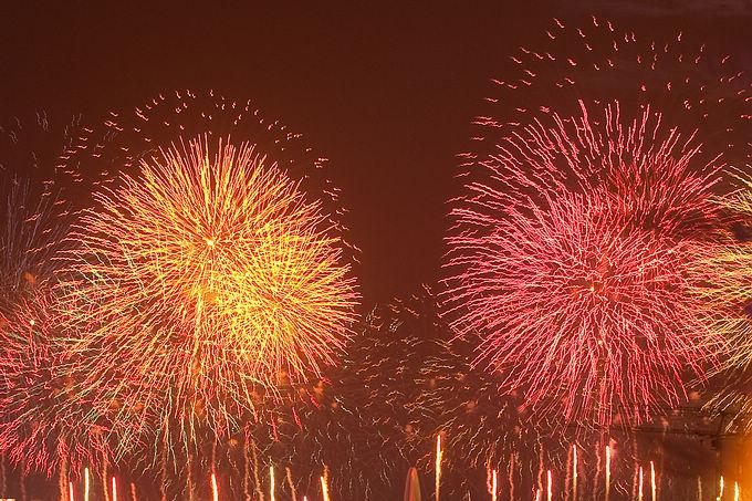 亚运开幕式之夜——老外与广州市民举觞相庆 - 牛筋 - 牛筋的博客