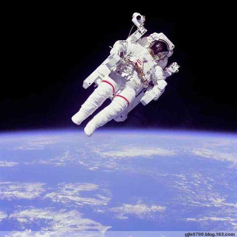 太空生活史 - 《国家历史》 - 《看历史》原国家历史杂志