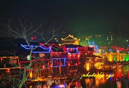 [原创]万里迊春11--沱江节夜(浪淘沙) - 自由诗 - 人文历史自然 诗词曲赋杂谈