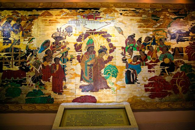 在西藏第一阁上欣赏雪山、尼洋河、油菜花 - 阿文 - tibet52的博客