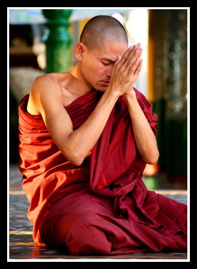 仰光(5)——瑞光大金塔前虔诚的信众 - 人走茶凉 - 人走茶凉的博客