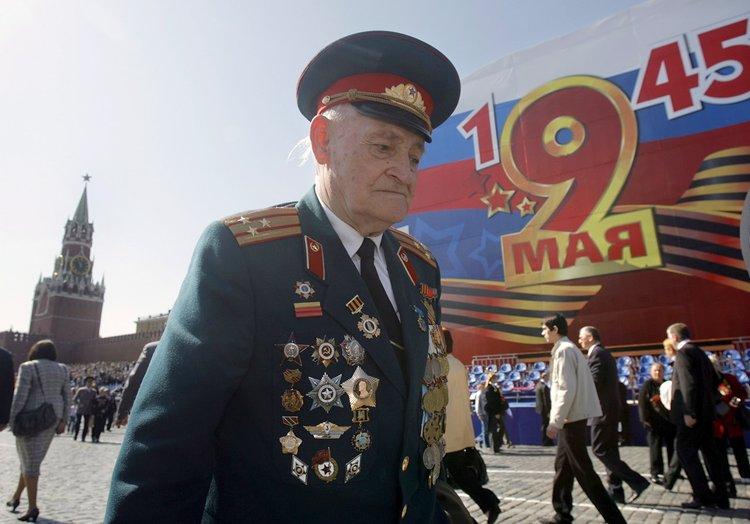 高清组图:俄举行盛大阅兵式 庆祝二战胜利 - 东海龙王 - chy601210的博客