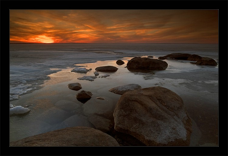 绝色美景--水边冥想 - 雪梅 - 梅雪争春