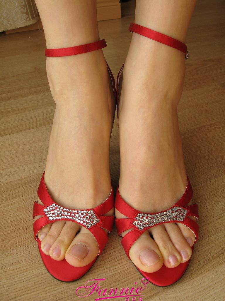 == 红红火火迎新年上 == - 喜欢光脚丫的夏天 - 喜欢光脚丫的夏天