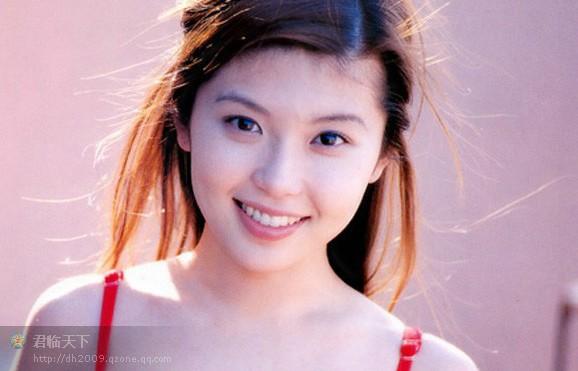 清纯美女:菜鸟抠图法 - 冬季恋歌 - 红枫叶