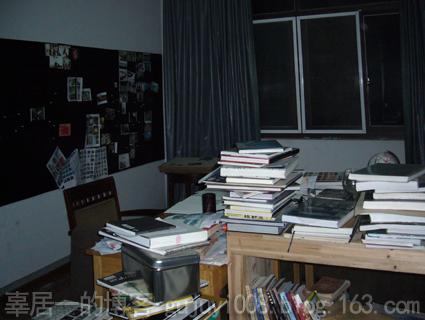 夜访艺术家工作室之二 - 好好阳光 - 辜居一的博客
