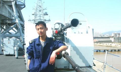 舰上小水兵 - 披着军装的野狼 - 披着军装的野狼
