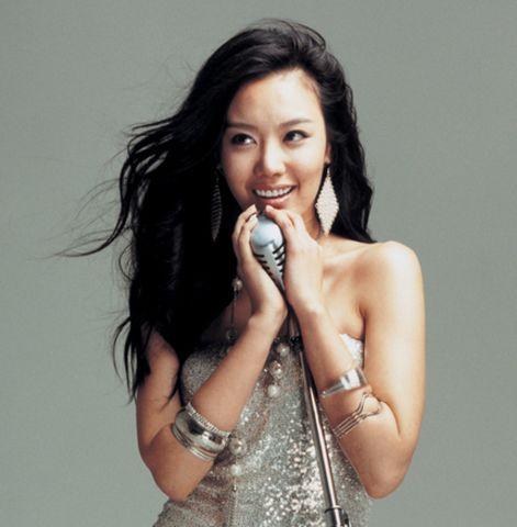 美丽性感的韩国美女――金雅中