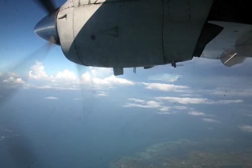 小飞机飞呀飞,飞到爱尼岛 - 燕燕 - 霍思燕 彦 色