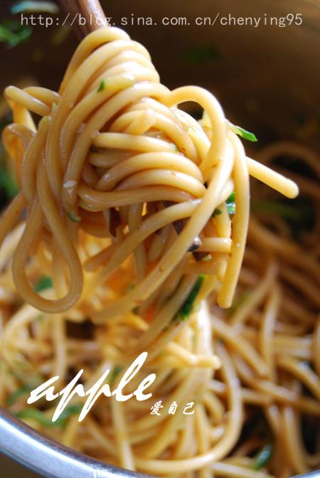 夏天最受欢迎的意大利面吃法:今天就用很中国的方式做 - 可可西里 - 可可西里