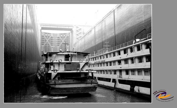 长江三峡大坝船闸高清图片