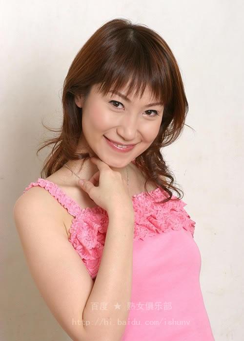 粉红色的白裙少妇,据说职业是老师!(7P) - ponykey - ponykey的博客