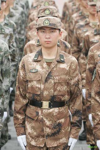 解放军新式军装图片