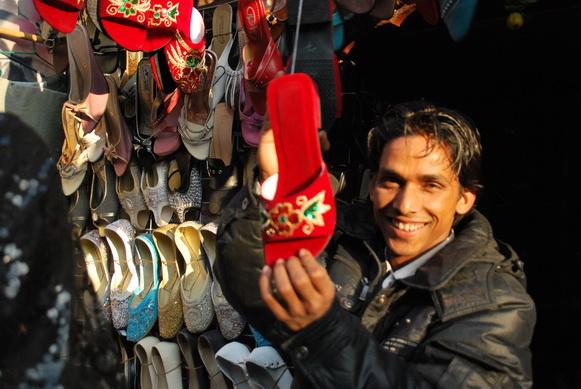 尼泊尔的糖葫芦会唱歌? - 行走40国 - 行走40国的博客