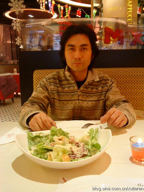 圣诞夜北京西餐馆排长龙。 - 徐铁人 - 徐铁人的博客