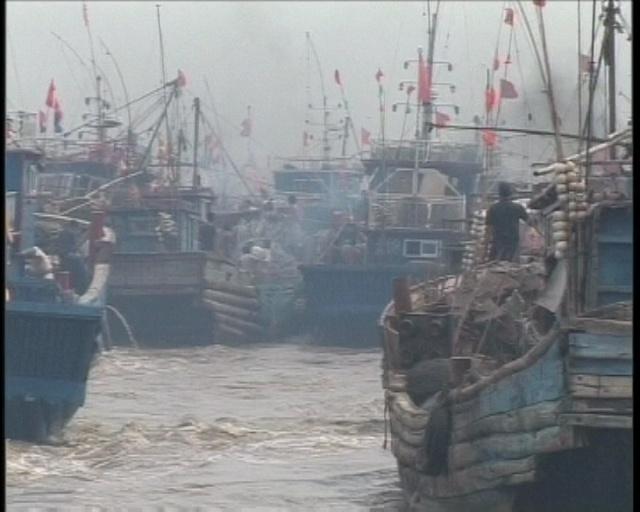 海面上万人大战  ——疯狂的渔船 - 行者 - 《行者》旅游卫视