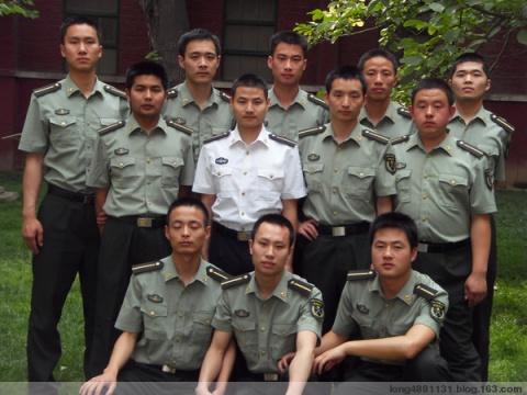 陆军风采——从部队士官到军校学员 - 披着军装的野狼 - 披着军装的野狼